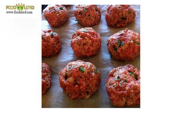 foodslord.com---Ingredients-meatball-dried-vegetables