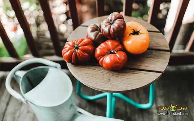 foodslord.com---Heirloom-Tomato---history