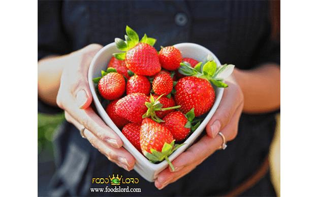 foodslord.com---Reduce-cholesterol---strawberry